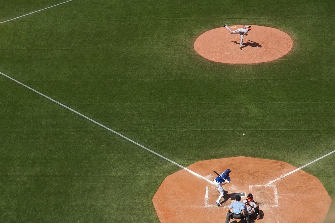 /wireless-communication-system-baseball-umpire-coach-axiwi