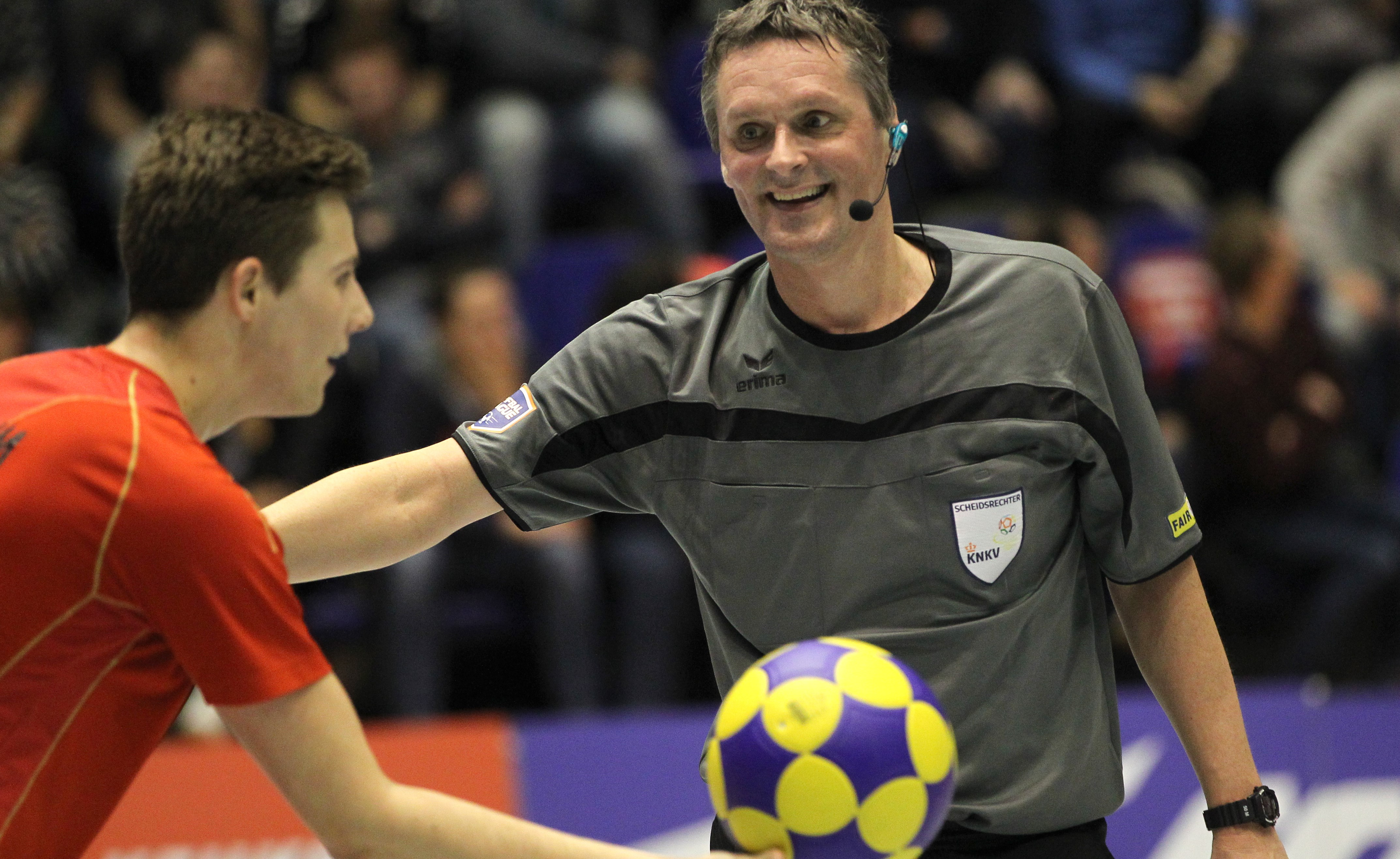 wireless-communication-system-for-referees-in-sports-axiwi