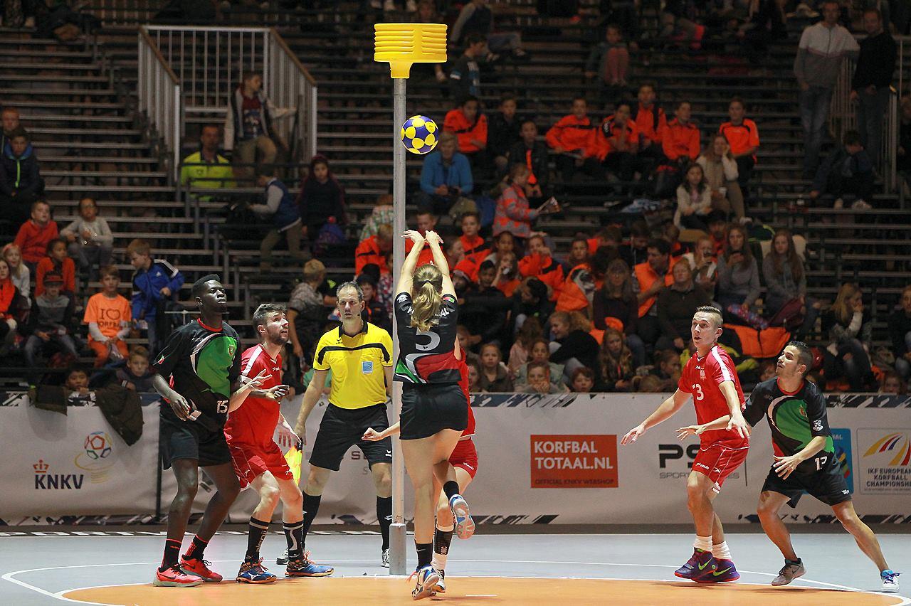 /wireless-communiction-system-korfball-european-championship-actiefotografie